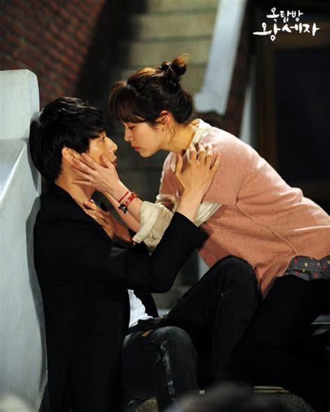 Behind the Scene Stills of JYJ's Yoochun & Han Ji Min Kiss Scene   Drama Haven