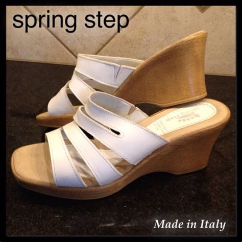step price firm step white sandals wedges