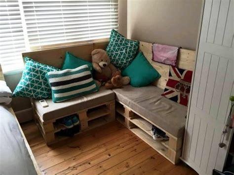 canape chambre enfant comment fabriquer un canap 233 en palette tuto et 60
