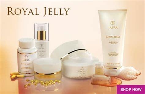 Lipstik Royal Jelly Jafra jafra the science of naturally jafra blends