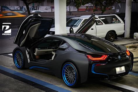 bmw i8 modified thai bmw i8 gets custom blue adv 1 wheels gtspirit