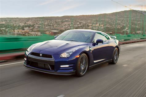 Nissan Gtr 2013 2013 Nissan Gt R Reviews And Rating Motor Trend
