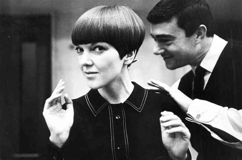 hair cut with a defined point in the back mary quant hairstyle bakuland women man fashion blog