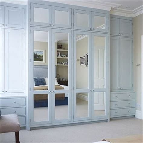 built in closet doors 25 best ideas about mirrored closet doors on