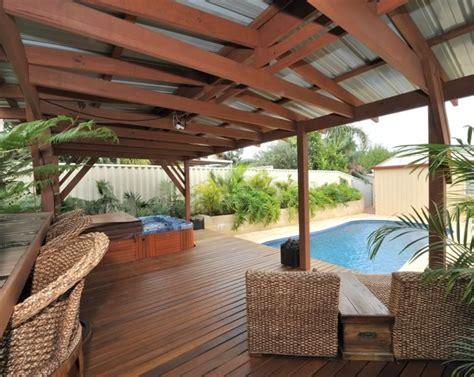 Hawaiian Yard Decorations by Tropical Garden Desing Decosee