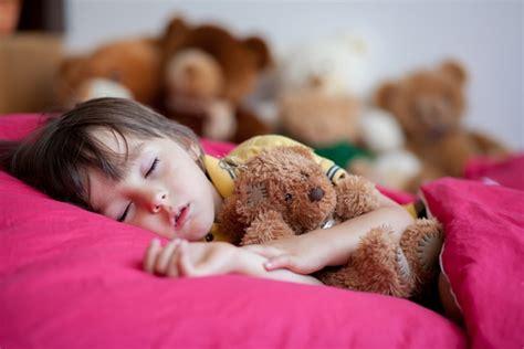 bambini pipi a letto pip 236 a letto bambini cause e rimedi medicinalive