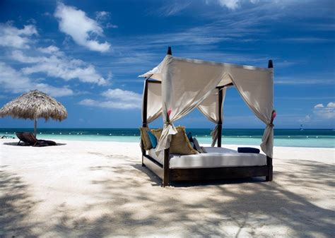 bed on the beach four poster beach bed relaxation interior design ideas