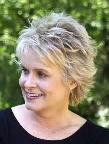 Short shag hairstyles for older women via