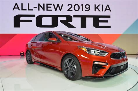 Vw Auto Stringer by All New Kia Forte Battle The Vw Jetta Wins With Stinger