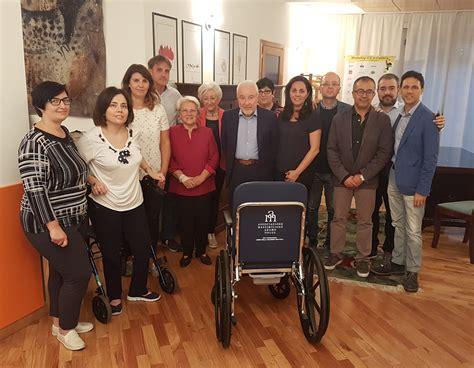 sclerosi multipla sedia a rotelle confindustria cosenza adamo onlus dona sedia a rotelle ad
