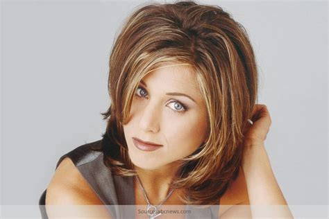 Jen Aniston Hairstyles by Aniston S Hairstyle Here S How To Get The Look
