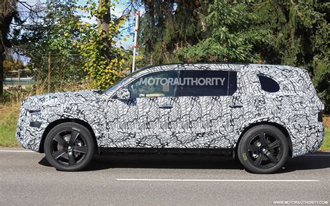 mercedes benz gls spied gm modular platform revealed