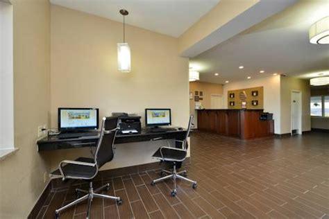 comfort suites gurnee il comfort inn gurnee in gurnee il free internet indoor