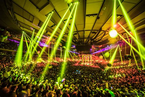 the rain came down during phish s new year s eve at