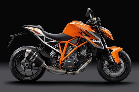 en gueclue  ciplak naked motosiklet motor hikayesi