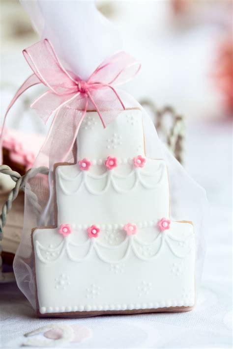 Handmade Wedding Favours - diy winter wedding favours