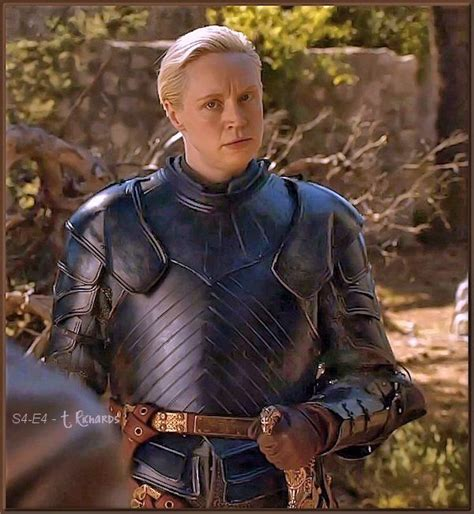 brienne of tarth armor at got s04 e04 a song of ice and fire brienne s awesome new armor and oath keeper i m geeking out pretty hard about this one now