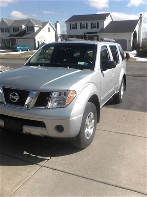 2005 Nissan Pathfinder Xe by Buy Used 2005 Nissan Pathfinder Xe Sport Utility 4 Door 4
