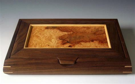 Handcrafted Wooden Jewelry Boxes - this handcrafted wooden box makes a beautiful decorative