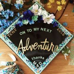 how to decorate graduation cap with paper 25 best ideas about graduation caps on