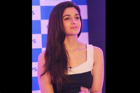 Philips Hair Dryer Alia Bhatt alia bhatt now turns brand ambassador for philips india s