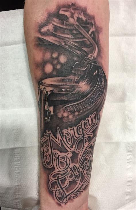 dj tattoo 25 best ideas about dj on logo