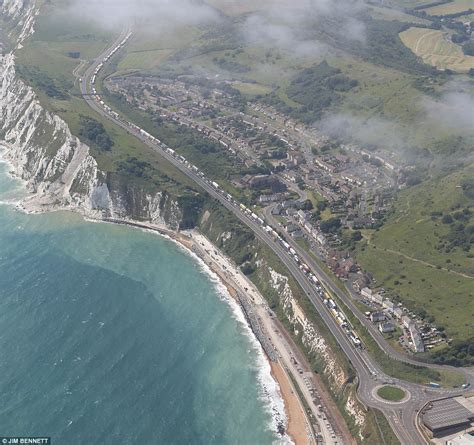 Dover Background Check Dover Ferry Port Chaos As Delays And 15 Hour Queues Could Last Until Monday Daily