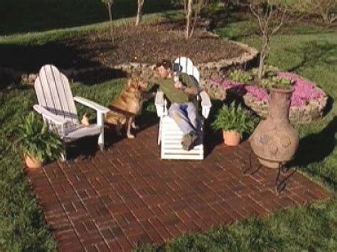 create  brick patio  tos diy