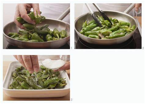 cucinare i friggitelli in padella come cucinare i friggitelli dritte e consigli