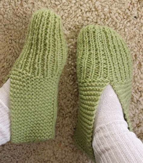 knitted slipper socks best 25 knit slippers pattern ideas on