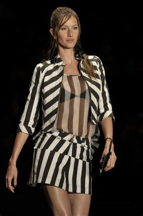 Gisele Gained Some Weight by Gisele Bundchen S Gerard Butler