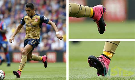 what boots does alexis sanchez wear boot spotting 17th august 2015 the instep