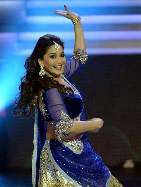 madhuri ki images in saree madhuri dixit dance performance in ghagra choli at iifa