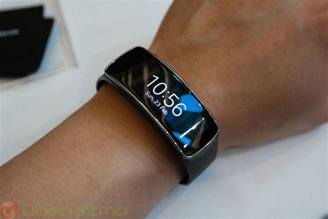 Jam Tangan Shape Simple Design samsung gear fit an s5 companion to keep you in shape