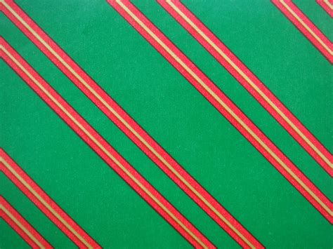 vintage christmas gift wrapping paper red green and gold