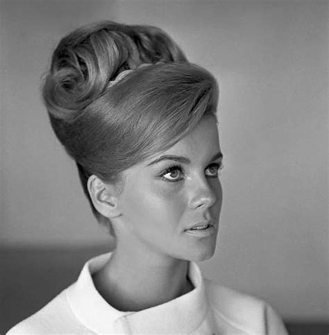 101 best images about 1960 s hairstyles on pinterest 1960s hair styles 25 best 1960s hair ideas on pinterest