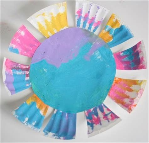 Paper With Preschoolers - paper plate flowers for toddlers happy hooligans