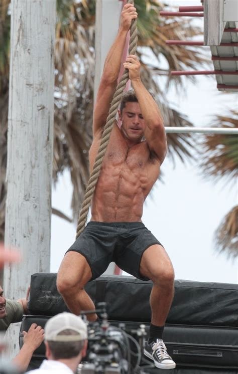 How Much Can You Bench Press Zac Efron Says He Ll Only Get His D Out For An Oscar