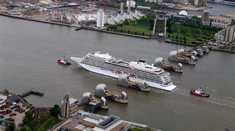 thames barrier school visit 47 800 tonne cruise ship squeezes through thames barrier