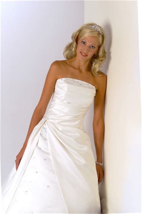 polyester wedding dress cleaning synthetic gown cleaning