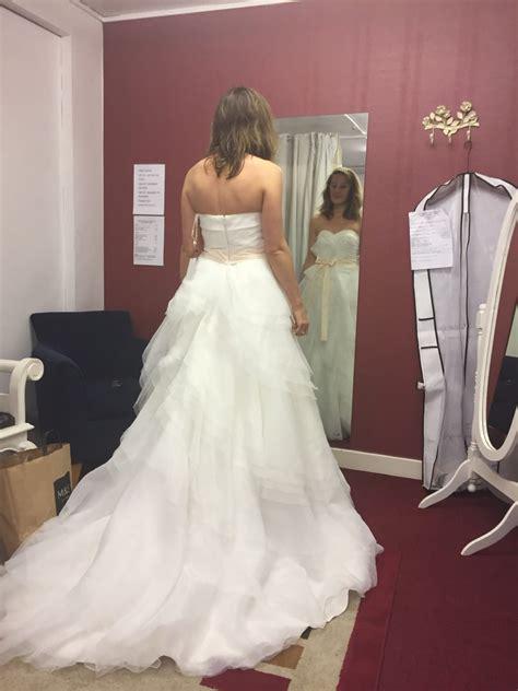 vera wang style wedding dress sell  wedding dress