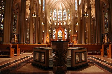 File The Evangelist Church Covington Kentucky File St S Cathedral Basilica Of The Assumption