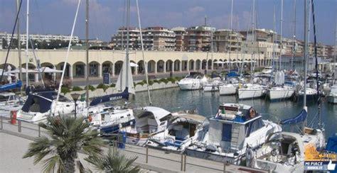 porto di ostia eventi sequestrato il porto turistico di ostia mipiaceroma it