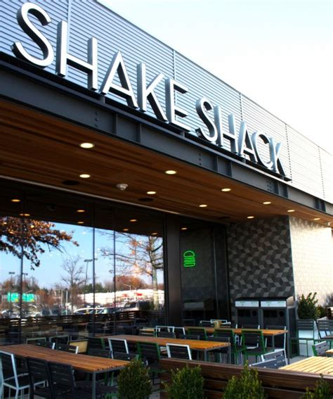 Garden State Mall Shake Shack Here Comes The Sun Outdoor Seating At Shacks Across The