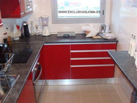 muebles de cocina en rojo alto brillotirador unero en