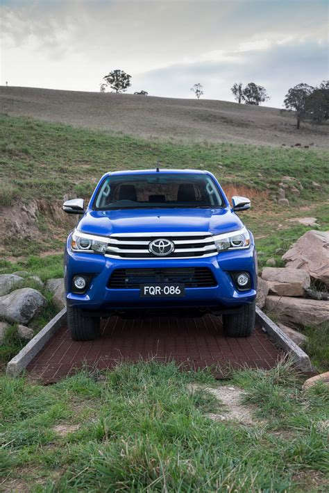 2016 toyota hilux debuts with new 177hp diesel 33 photos