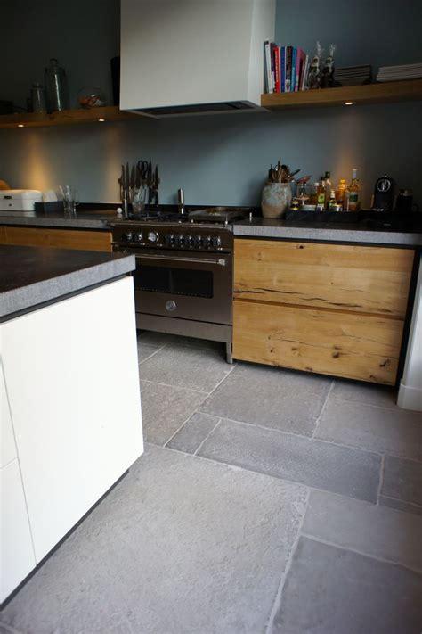 polierter betonboden selber machen die besten 25 beton k 252 chenboden ideen auf