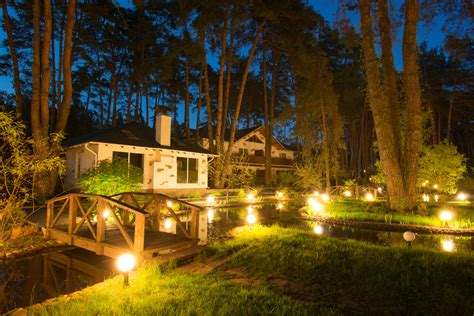 Exterior Lighting Lighting Up The Summer Night Backyard Landscape Lighting