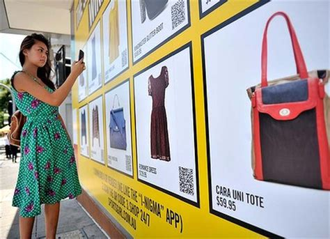 Launch Of Shop Vogue Interactive Advertisement Site by Just Popping By To Phone In Some Window Shopping