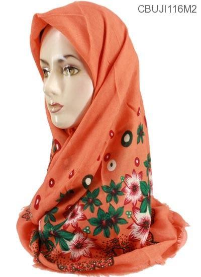 jilbab segi empat marocco motif bunga kamboja jilbab
